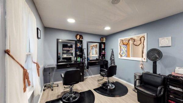 SW The Spa Day Spa & Skin Care Center Gloversville New York - Salon chairs